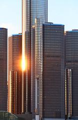 Detroit Sunset (peterkelly) Tags: digital canada northamerica ontario canon 6d windsor detroit michigan unitedstatesofamerica unitedstates usa us sun reflection downtown building urban sunset dusk evening
