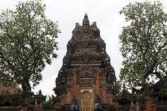 Gate of Pura Taman Saraswati temple (Maarten Roggeman) Tags: indonesia bali ubud pura taman saraswati temple pond kori agung gate