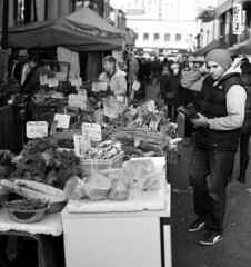 Vegetable Shopping (sparkly_yoda) Tags: streetphotography londonstreetphotography
