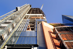 (themodulorman) Tags: hudsonyards architecture building construction kpf curtainwall glass metal steel stainlesssteel 20hudsonyards 20hy retailpodium 10hudsonyards 10hy towerc towera 30hudsonyards 30hy manhattan newyorkcity newyork nyc