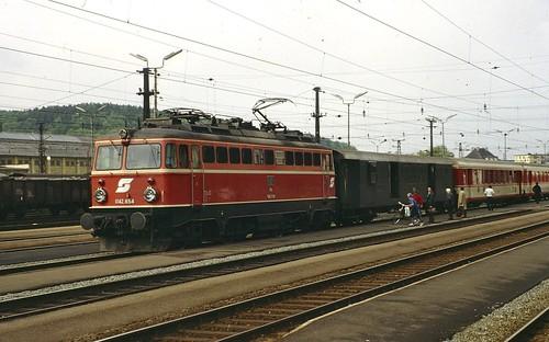 ÖBB electric loco 1042.654 Attnang-Puchheim