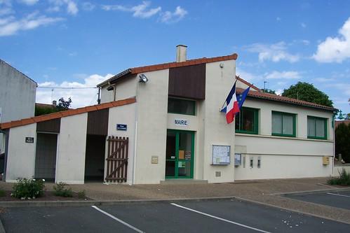 1 -Mairie LA CHAPELLE LARGEAU