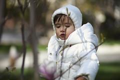 (Alejandra Salido) Tags: madrid parque portrait girl childhood children libertad freedom child retrato nia enfant infancia retiro libre niez