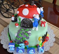 The Smurfs/Fondant Cake (yummilicious cakes and desserts) Tags: birthday cake smurfs fondant