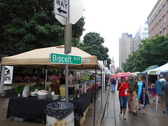 rainy biscuit festival (Joelk75) Tags: festival tn knoxville farmersmarket tennessee biscuits marketsquare internationalbiscuitfestival