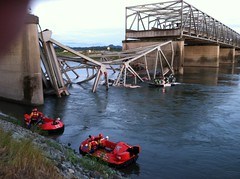 I-5 bridge collapsed over Skagit River (EcologyWA) Tags: i5 collapse mountvernon skagitcounty skagitriver