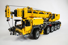 Lego Technic 42009 Mobile Crane (Oxycrest) Tags: mobile lego crane technic 42009 techlug