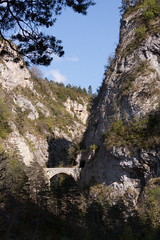 2009-05-01_16-23-18_2810.jpg (moguay) Tags: france vercors massif rhnealpes cirquedarchiane treschenucreyers lieudeprisedevue