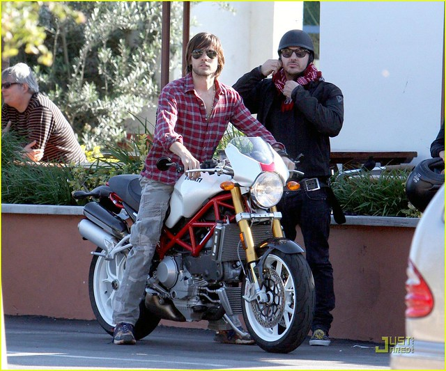 jared-leto-motorcycle-06
