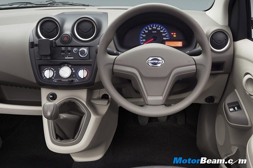 2014-Datsun-GO-15