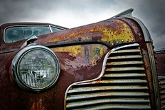 Buick (Curt Bianchi) Tags: detail buick 1940 rusty grill headlight curtbianchi