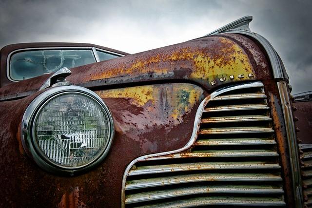 detail buick 1940 rusty grill headlight curtbianchi