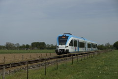 Breng Direct 5043 op weg naar Arnhem vlak voor aankomst in Wehl 11-05-2015 (marcelwijers) Tags: train arnhem eisenbahn railway op bahn voor direct trein naar spoor weg gtw vlak stoptrein wehl aankomst stadler 5043 triebwagen dieseltrein triebzug nebenbahn breng dieseltriebzug diesellijn 11052015