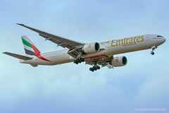 Emirates A6 EBI coming in to land at BLR (photoyogi) Tags: bangalore emirates kia spotting vobl