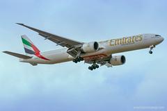 Emirates A6 EBI coming in to land at BLR (photoyogi) Tags: bangalore emirates kia spotting vobl
