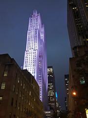 30 Rock aka Comcast Building, Manhattan, New York City (SomePhotosTakenByMe) Tags: 30rock comcastbuilding gebuilding rockefellercenter skyscraper wolkenkratzer nachtaufnahme usa america amerika urlaub vacation holiday stadt city midtown innenstadt newyorkcity newyork nyc manhattan nightphotography uptown