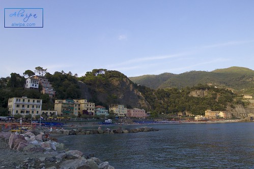 """Cinque terre - Monterosso al mare • <a style=""""font-size:0.8em;"""" href=""""http://www.flickr.com/photos/104879414@N07/29614580964/"""" target=""""_blank"""">View on Flickr</a>"""