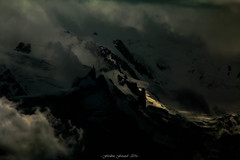 Clair-Obscur sur l'Aiguille du Midi (Frdric Fossard) Tags: montagne paysage nature aiguilledumidi alpes hautesavoie massifdumontblanc glacier hautemontagne art abstrait surraliste luminance clairobscur lumire ombre atmosphre dramatique silhouette nuage altitude chamonix