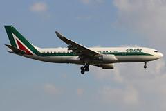 EI-EJH | Airbus A330-202 | Alitalia (cv880m) Tags: newyork kennedy jfk kjfk eiejh airbus a330 330200 332 330202 alitalia italy