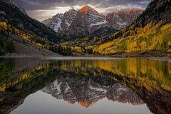 Maroon Bells Sunrise (Bryan the Roving Vagabond) Tags: maroon bells sunrise landscape lake mountains snow aspen co color fall autumn reflection outside serene leaves water outdoor hill mountainside trees explore maroonbells colorado
