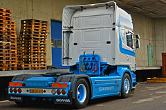 Scania R620 V8 P.v.d. Kraan (Samuele Trevisanello) Tags: scania r620 v8 pvd kraan scaniapower scaniav8 v8power r 620 goinstyle hollandstyle truckholland scaniaholland hollans holland styler style truck trucks europe italia truckspotter fotobyst truckspotting como comodocks docks white blue veicolo allaperto camion