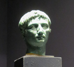 IMG_6117 (jaglazier) Tags: 1stcentury 1stcenturyad 2016 27bc14ad 5 5ad 63bc14ad adults augustus cologne copyright2016jamesaglazier crafts emperors gaiusjuliuscaesaroctavianusaugustus germany glass heads imperial julioclaudian kings koln köln men museums octavian portraits primaporta roman romangermanicmuseum römischgermanischesmuseum september turquoise archaeology art figurines royal sculpture