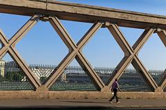 Rue La Fayette - Paris (France) (Meteorry) Tags: europe france idf ledefrance paris ruelafayette overpass viaduc garedelest station gare railroad chemindefer sncf man homme trottoir pavement sidewalk august 2016 meteorry