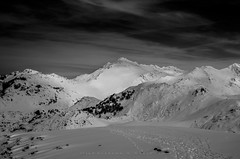 Jascal (Ahio) Tags: pnpe bw picosdeeuropa parquenacionaldelospicosdeeuropa blancoynegro photography landscape pentax k5 smcpentaxfa31mmf18allimited mountains cornin jascal winter snow ice blanco cold frozen white 31mm monocromo 2016 highcontrast hcphotography singhray