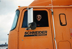 Green Bay 1995 (ofarrl) Tags: usa greenbay wisconsin schneidernational truck international9670 trucking bigrig semitruck cabover transport 1995