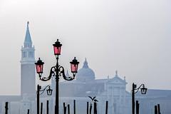 San Giorgio Maggiore... (Blende1.8) Tags: sangiorgiomaggiore mist fog nebel dunst frühnebel laterne lantern venice venezia venedig italy italien travel morning colors farben möwen seagulls nikon d700 carstenheyer