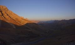 Sunrise at Fotu La pass, India 2016 (reurinkjan) Tags: india 2016 janreurink himachalpradesh spiti kinaur ladakh kargil jammuandkashmir fotulapass himalayaszaskarrange himalayamountains sunrise himalayamtrange himalayas landscapepicture landscape landscapescenery mountainlandscape