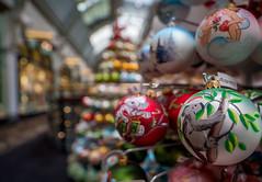 QVB 6 Christmas bokeh (OzzRod) Tags: pentax k1 irix15mmf24blackstone qvb queenvictoriabuilding christmas decorations closeup bokeh