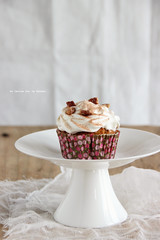 minicakes078 (la cerise sur le gteau) Tags: food cooking cake photography baking patisserie cupcake pastry muffin pecan carrotcake topping gteau