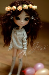 Jess (Pullip Ddalgi) (._Broccoli_.) Tags: flowers wreath wig pullip headband brownhair obitsu pullipddalgi