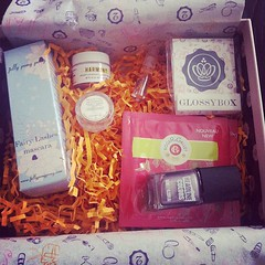 today I finished my second day of Uni and my first #glossybox arrived #treats   Glossy Box tests et avis sur la box (passionthe) Tags: test paris les french la commerce box femme glossy beaut gift instant sa bonne discovery plaisir hommes femmes avis cadeau coffret choisir toutes glossybox cosmetique echantillons