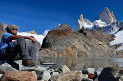 El descanso (juannypg) Tags: patagonia naturaleza santacruz me argentina trekking agua nieve yo paz andes sur hielo rocas cordillera montaas glaciares tranquilidad austral lagunadelostres juanny elchaltn montefitzroy cerrochaltn montepoincenot