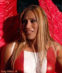 Mujer de rojo en Madrid (Caty V. mazarias antoranz) Tags: rojo red mundoenrojo fotosconelcolorrojo umbrella sunnyday sombrilla dasoleado gayparade gaypridemadrid lamujerderojo hombreenrojo thewomaninred maninred freedom socialist communist tolerance socialista comunista libertad tolerancia maquillaje peluca makeup wig pechos cirujaesttica breasts cosmeticsurgery chueca angel