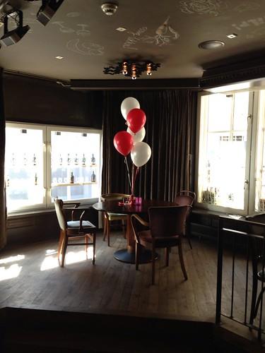 Tafeldecoratie 5ballonnen De Keijzer Spijkenisse