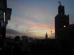 Jemma Fna- Marrakech (El Asri Luca) Tags: viajes morocco marrakech mezquita marruecos turismo cultura zoco tradicin jemma fna creyentes magreb religin musulmn musulmanes adoracin marroquies