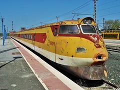 443 (firedmanager) Tags: train tren fiat caf navarra ferrocarril renfe trena pendolino automotor platanito 443 castejón electrotren