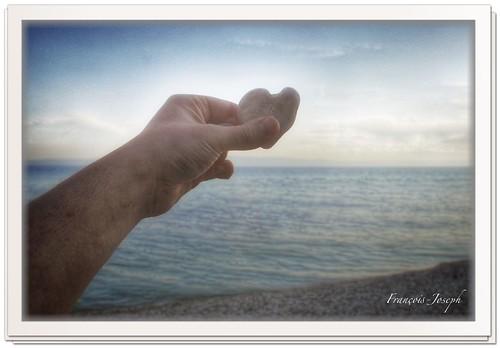 Un cœur sur plage de Nugal.A heart on Nugal beach.