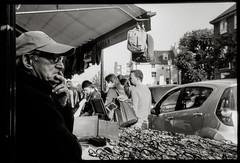 Portobello Road (danielesandri) Tags: portobello inghilterra england mercato biancoenero bw rollei35s rollei pellicola fomapan londra london