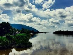 Sendoyan, Kalimantan Barat, Indonesia. (drrbaong) Tags: landscape nature country kampung sungai river kalbar kalimantanbarat kalimantan sambas sendoyan