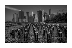 nyc#95 - Skyline (Nico Geerlings) Tags: ngimages nicogeerlings nicogeerlingsphotography nyc ny usa us manhattan skyline newyorkcity brooklyn leicammonochrom 28mm elmarit
