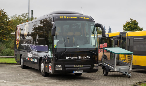 Dynamo Dresden team bus: MAN R07 Lion's Coach # DD-TT 1953