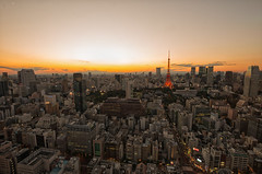 Tokyo at dusk (703) Tags: japan mtfuji pentaxk5 seasidetop tokyo tokyotower worldtradecenter worldtradecentertokyo worldtradecentre cityscape dusk sunset twilight