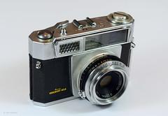 Aires Viscount M2.8 on Display (01) (Hans Kerensky) Tags: aires viscount m28 display japanese 35mm rangefinder camera lens q coral 128 45cm