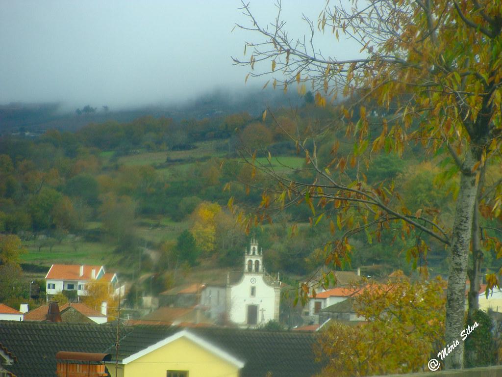 """Águas Frias (Chaves) - ... vista da igreja em dia """"nuvio"""" ..."""
