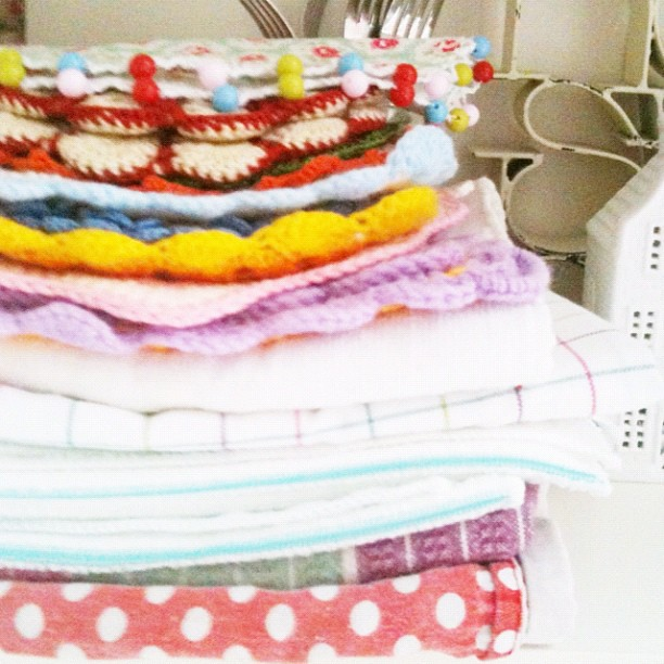 Linen and crochet pot holder stack