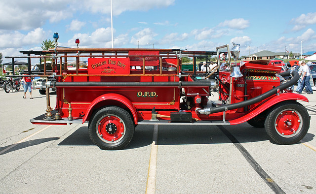 1930 Chevrolet/General Manufacturing Company of St. Louis Pumper Fire Truck (2 of 4)